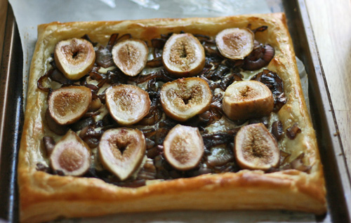 Fig Onion Tart - Fresh figs, caramelized onions, mascarpone and puff pastry make this fig onion tart perfect for a party, as an appetizer or a side.