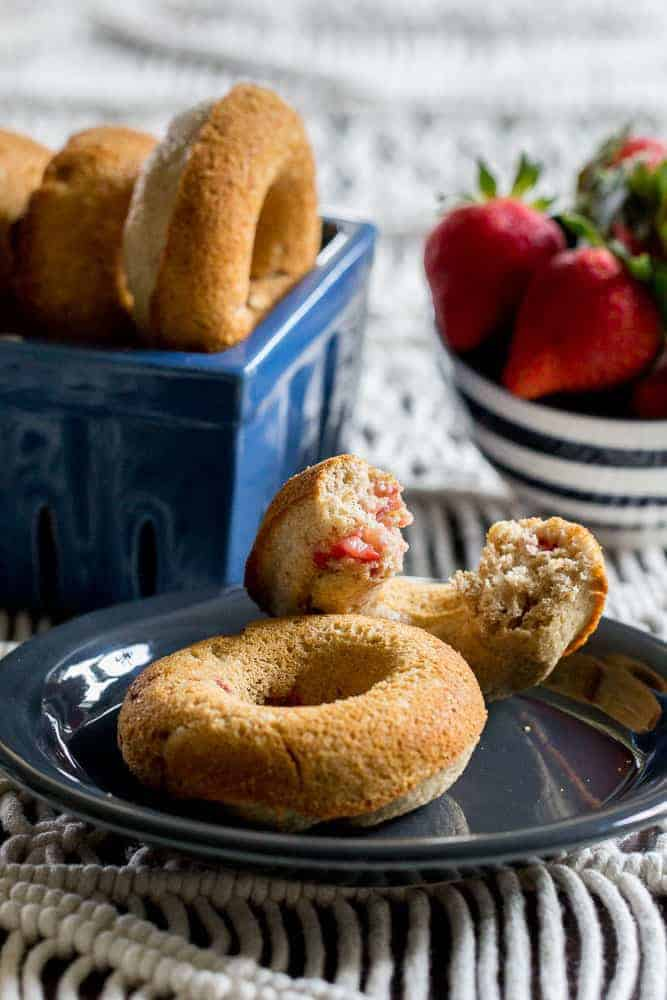Strawberry doughnuts are fruity and sweet, and just right for mornings. They're great for afternoon snacks, too!