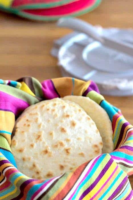 Homemade Tortillas - Simple homemade tortillas for the Tex-Mex Progressive Eats dinner.