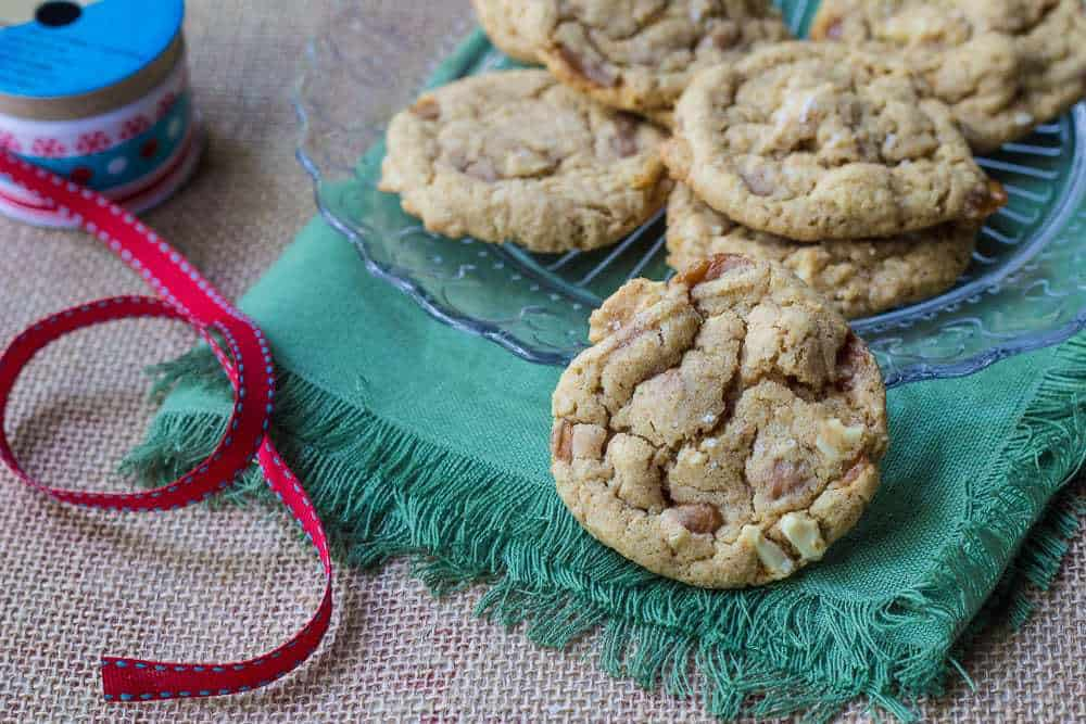 Salted caramel cashew cookies are sweet-and-salty cookies that are perfect for the holidays.