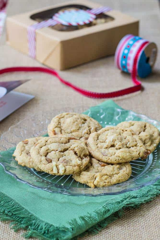 Salted Caramel Cashew Cookies are chewy, sweet, salty, and just scrumptious.